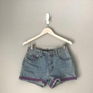 90s no boundaries embroidered shorts